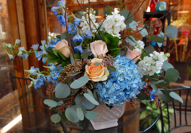 Hydrangea and Peach Roses