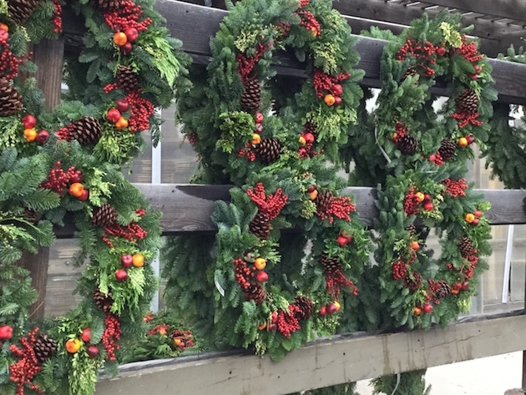 Wreaths with berries and fruit