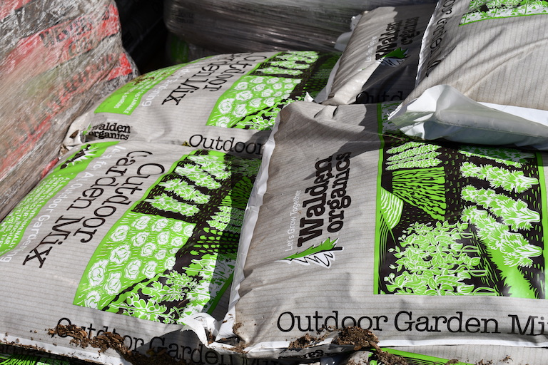 Walden Organics Garden Mix is an excellent potting medium