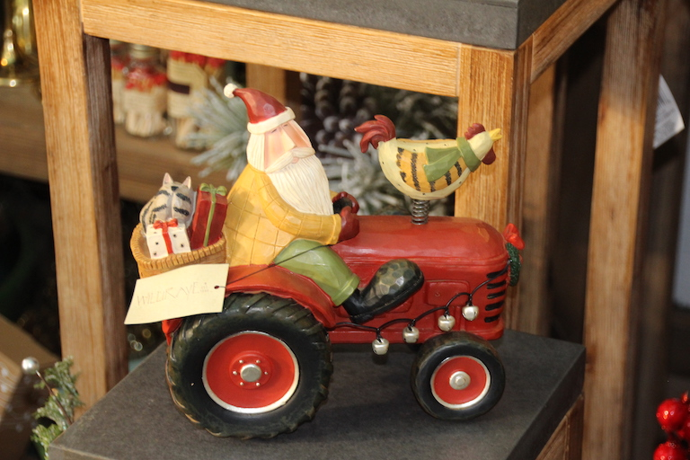 Williraye Studio, American Folk Art and Collectible Figurines